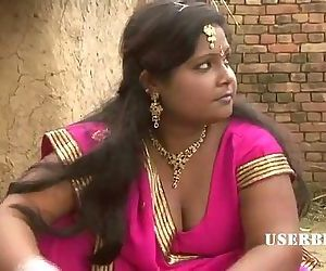 Village Bhabhi Seducing her..