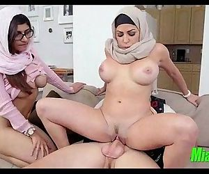 Mia Khalifa and her mom team..