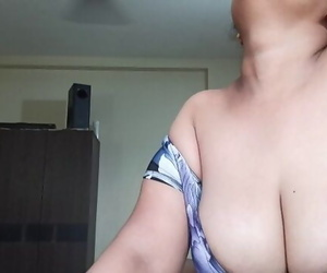 Karisma S6E3 Busty Indian..